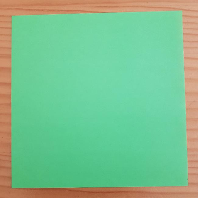 材料、きみどりの折り紙1枚