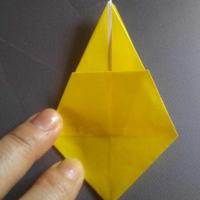 反対側(裏)も同じように折ります。